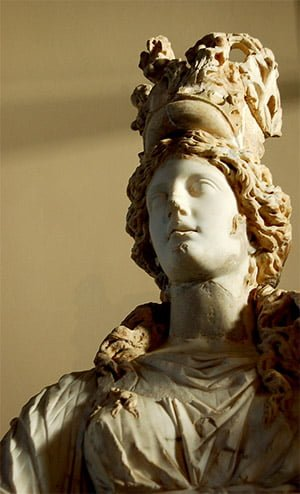 thyche-statue